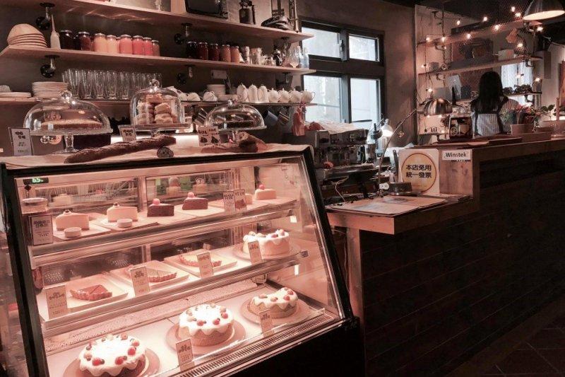 各式各樣的美味蛋糕滿足到店的每一位客人(圖片提供:東風南喃)