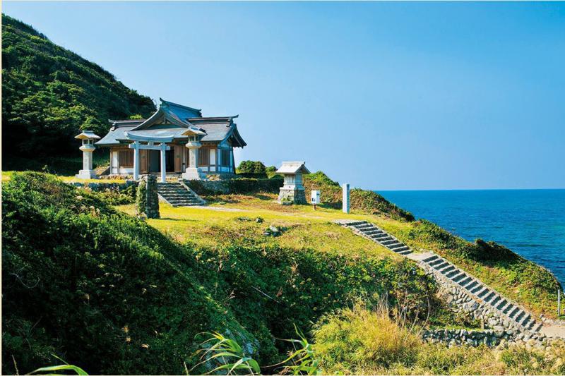 """日本有「神之島」之稱的沖之島,日前登錄世界文化遺產,而這座島嶼至今仍然非常神秘、有許多禁忌。(圖/World Heritage Promotion Committee of """"Okinoshima Island and Related Sites in the Munakata Region"""" )"""