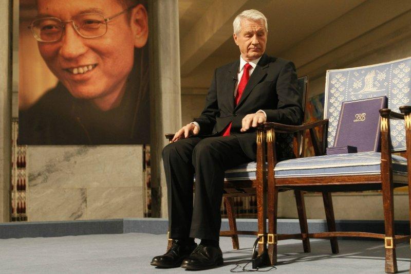 2010年10月8日劉曉波獲得諾貝爾和平獎,委員會以空椅代表劉曉波。(美聯社)