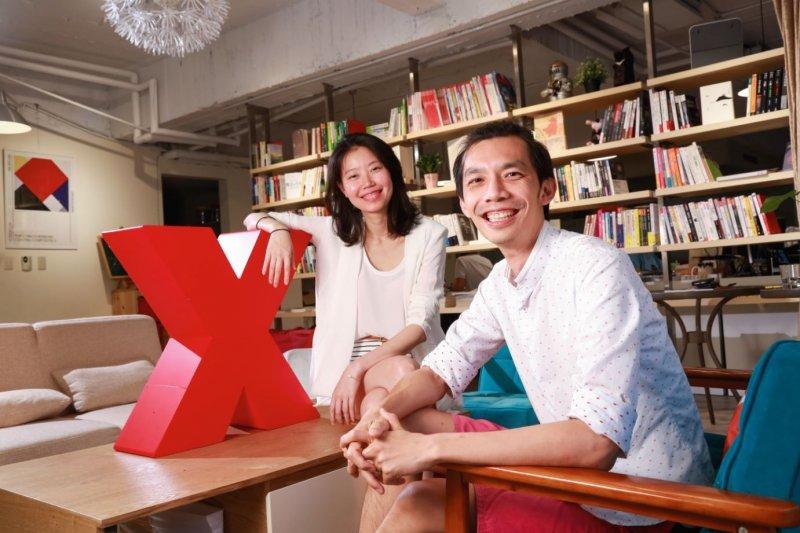 楊于葶(左)、邱孟漢(右)專門訓練TED講者說故事,打造最佳魅力。(圖/賀大新攝,經理人提供)