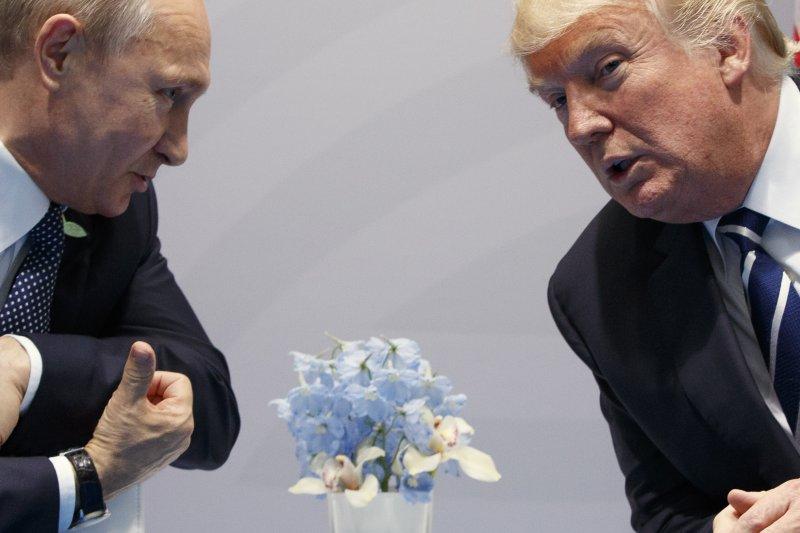 美國總統川普與俄羅斯總統普京的「雙普會」(AP)