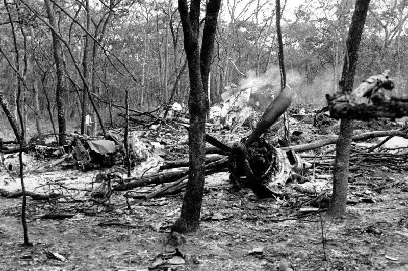 聯合國前秘書長哈瑪紹因空難身亡,但至今仍不知墜機真實原因,圖為墜機現場(AP)