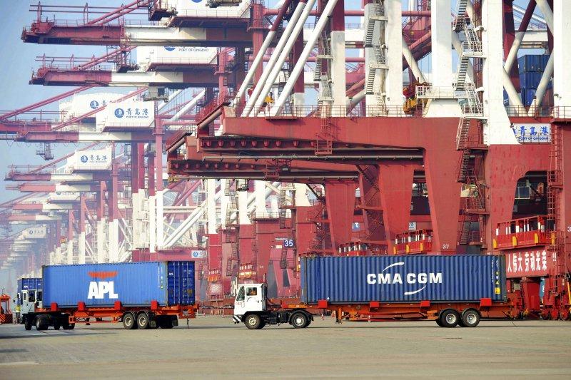 中國經濟持續減緩,中國財政部長劉昆表示將加大減稅、降低民間負擔的力度(AP)