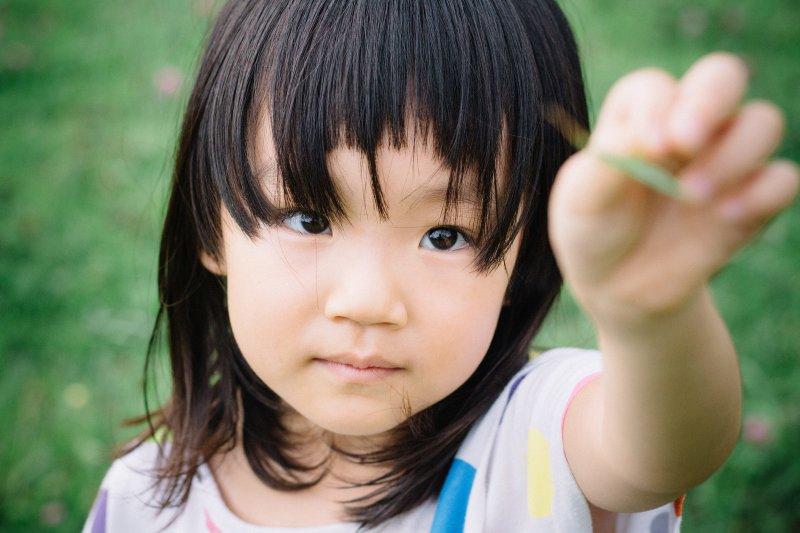 做為父母,最重要的首先應該是要尊重孩子獨特的個性。(圖/pakutaso)
