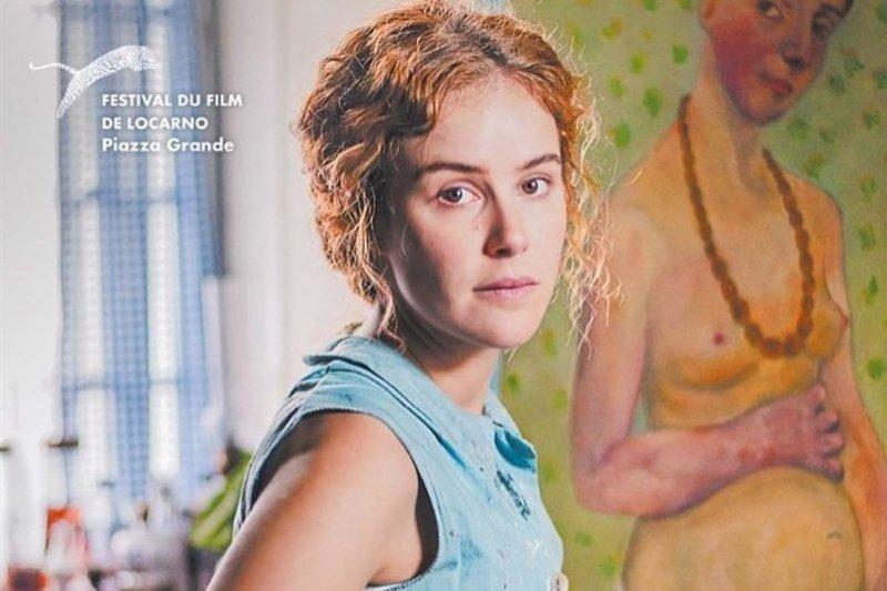 寶拉‧貝克畫出了藝術史上第一幅由女性所繪的裸體自畫像,電影《寶拉:裸畫像》回顧她精彩的一生。 (圖/取自佳映娛樂官方instagram)