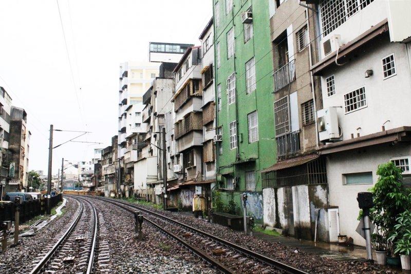 「我們南部的就業環境,對台灣最大的最大的貢獻是,輸出腦礦給天龍國用!」(圖/Connie@flickr)