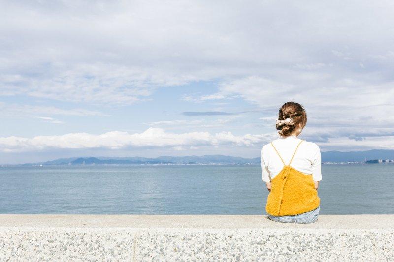 只要改變觀點,原本悲慘不堪的心情馬上轉為幸福。(示意圖/pakutaso)