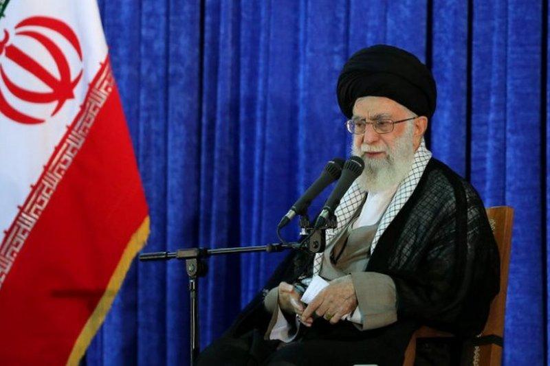 伊朗最高領袖哈米尼去年警告稱,西方國家正在不斷地「滲透」伊朗,並希望顛覆其政治體系。(BBC中文網)