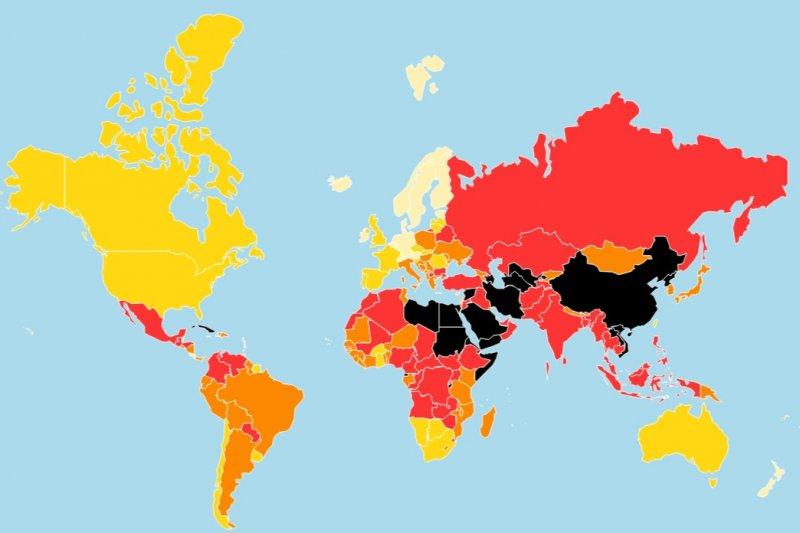 RSF每年都評比全球各國的言論自由狀況並發表報告,以白、黃、橘、紅、黑色代表各國新聞自由等級。在4月的最新報告中,台灣排名45,是亞洲地區唯一被標示為黃色的國家。(取自RSF網站)