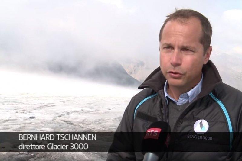 冰川3000(Glacier 3000)的CEO查南(Bernhard Tschannen)。(截圖自YouTube/sempreincazzato 3)