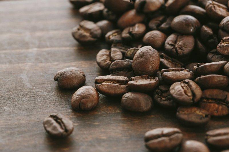 總是覺得買來的咖啡豆不對味嗎?可能是新鮮度出了問題。(圖/pakutaso)