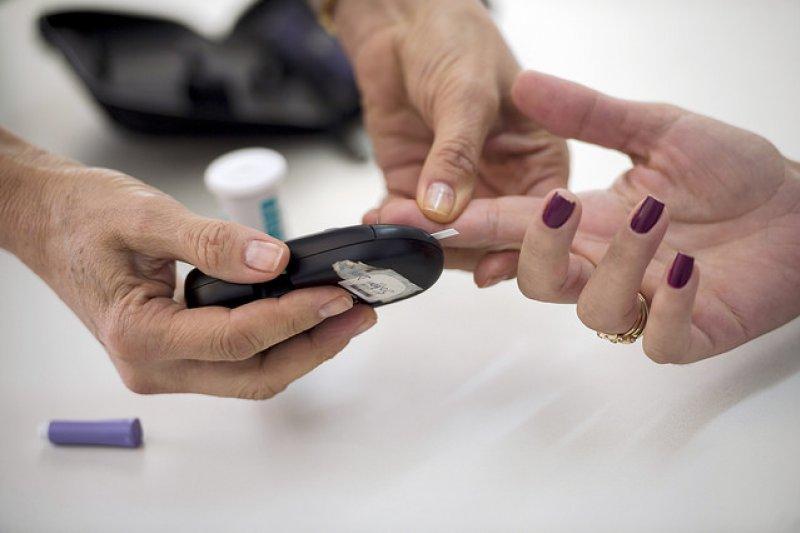 糖尿病患者應該與營養師討論個別的治療目標以及飲食計畫,並以受到支持的安全的方式來達到目標。(圖/Agência_Brasil_Fotografias@flickr)