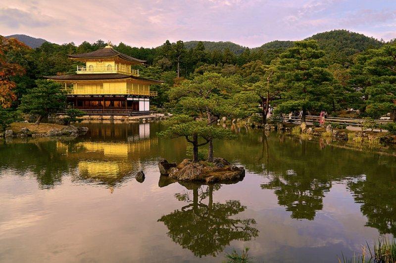 京都擁有豐富的水資源,許多遊客自然而然受到這點吸引。(圖/Pedro_Szekely@flickr)