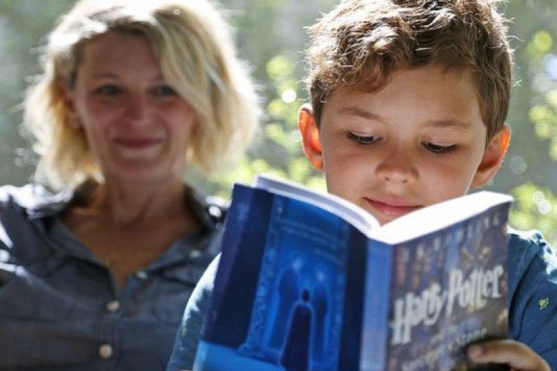 《哈利波特》系列小說陪伴許多孩子走過童年(AP)