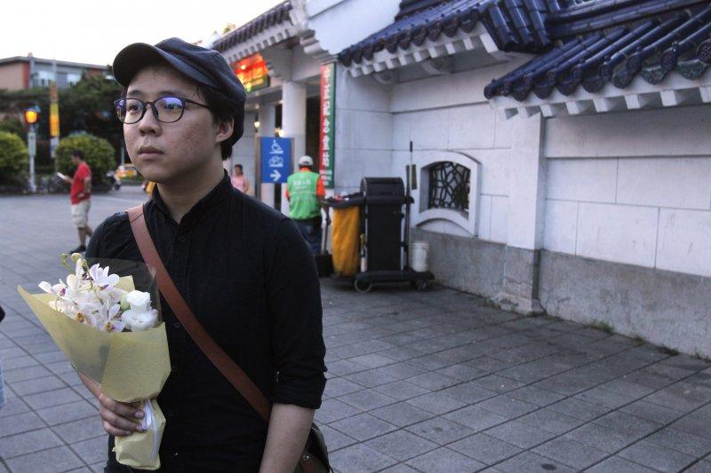 中國民主人權運動領袖劉曉波病逝,台灣民眾追悼(AP)