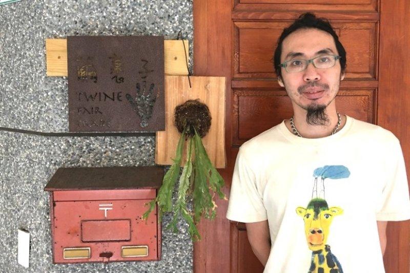 楊士翔是繭裹子的創辦人之一,他們在台灣開創出獨特的品牌之路。(圖/JANDI提供)