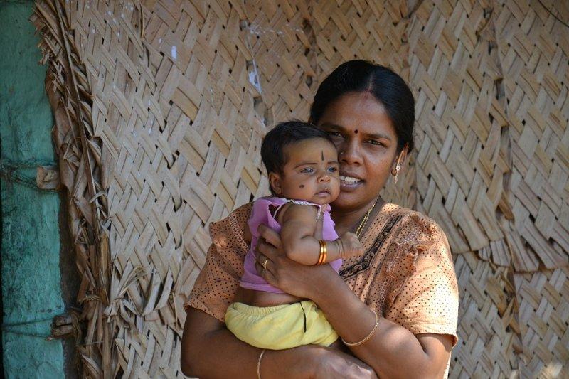 在印度地位低下的婦女,從一出生職責就是嫁人,並為夫家生下男孩。(圖/ericwyns@pixabay)