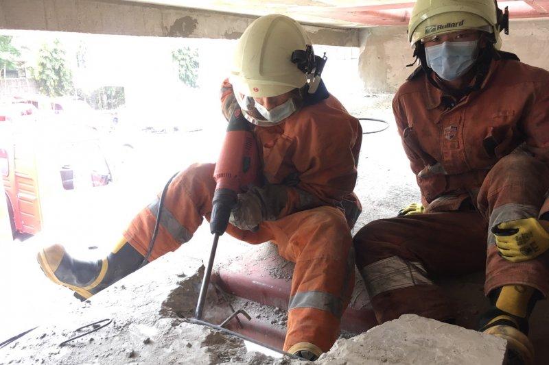 消防員的辛苦,讓單純的國小學童非常心疼。(圖新竹市消防局提供)