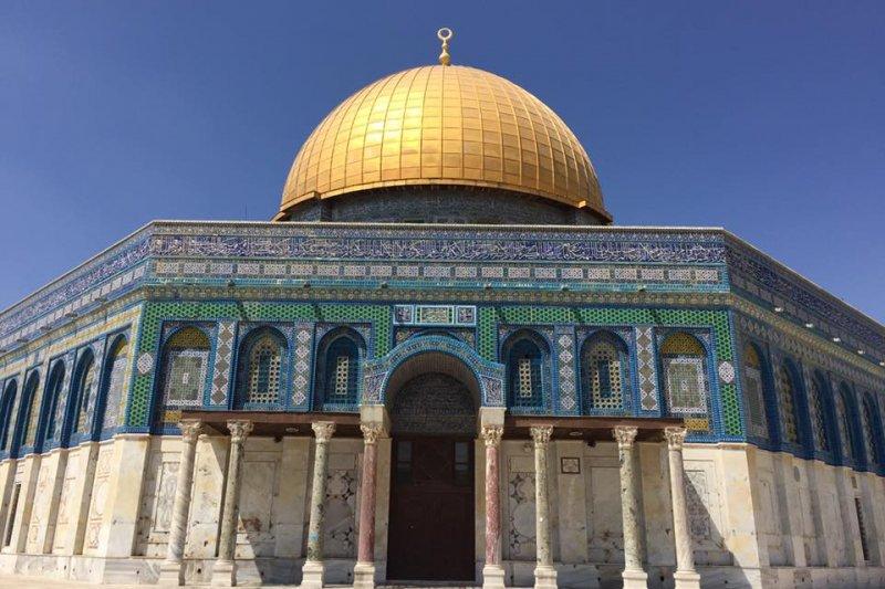 以巴問題:耶路撒冷古城聖殿山上的圓頂清真寺(簡恒宇攝)