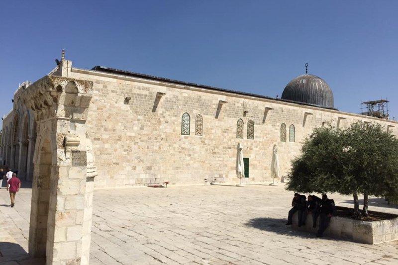 以巴問題:耶路撒冷古城聖殿山上的阿克薩清真寺(簡恒宇攝)