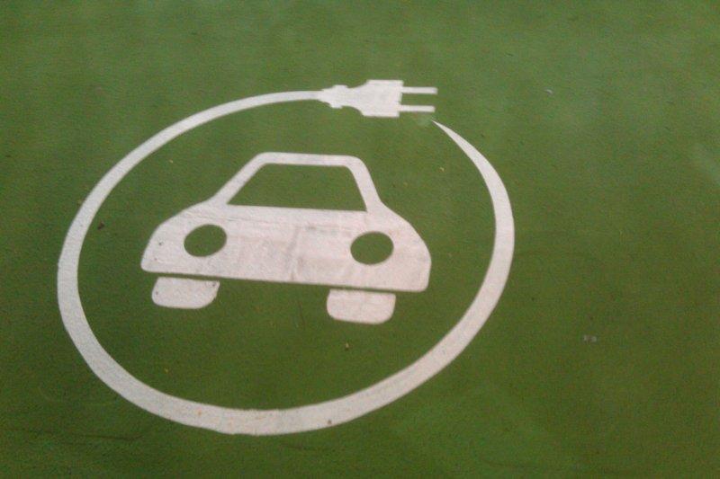 英國2040年將全面禁止販售柴汽油車。(John Eckman@flickr)
