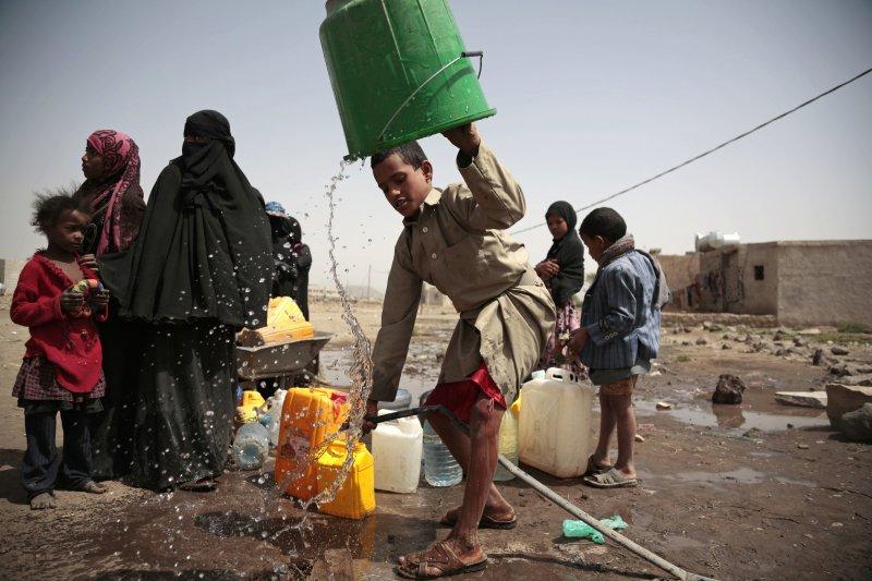 缺乏乾淨飲用水是霍亂爆發的主要原因之一,這處水井據說被霍亂弧菌污染了。(美聯社)