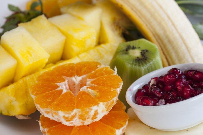 吃水果不只能讓人變健康,選擇對的種類更能調節情緒,讓人更快樂!(圖/Pixabay)
