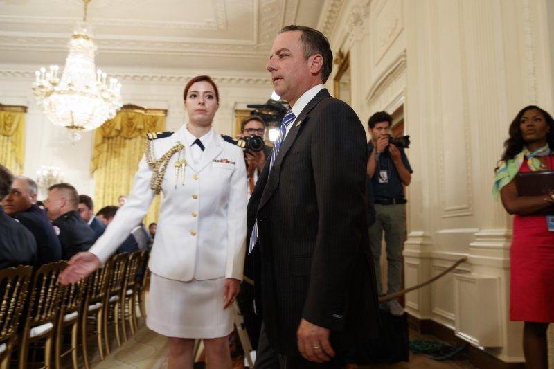 2017年7月28日,美國總統川普的第一任白宮幕僚長蒲博思(Reince Priebus)遭到開革(AP)