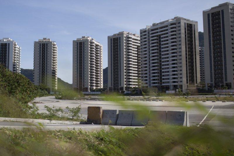 巴西里約奧運1周年:空蕩蕩的選手村(AP)