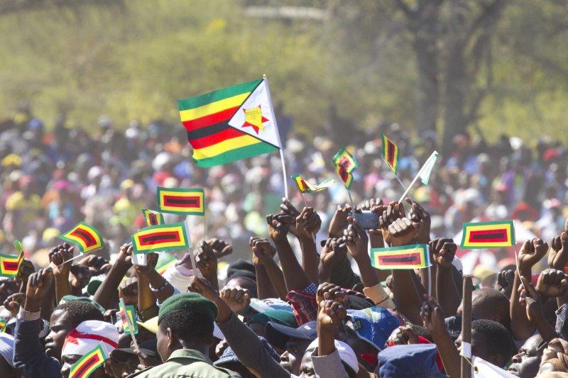 辛巴威總統穆加比的支持ˋ者(AP)