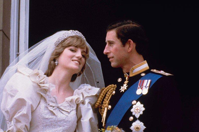 1981年7月29日,20歲的黛安娜與查爾斯王儲結婚(AP)
