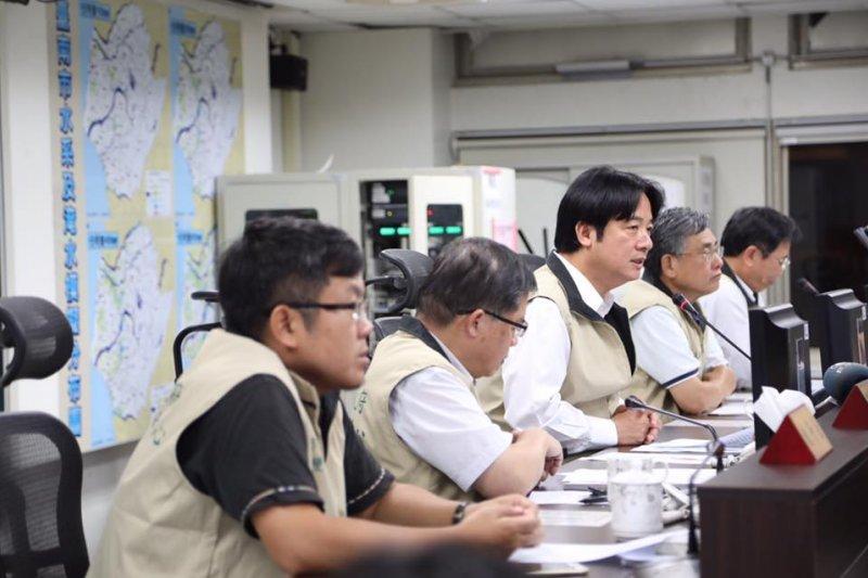 台南市長賴清德31日表示,對於清晨緊急宣布停班課,造成市民不便,他「誠摯的道歉」。(資料照,取自賴清德臉書)