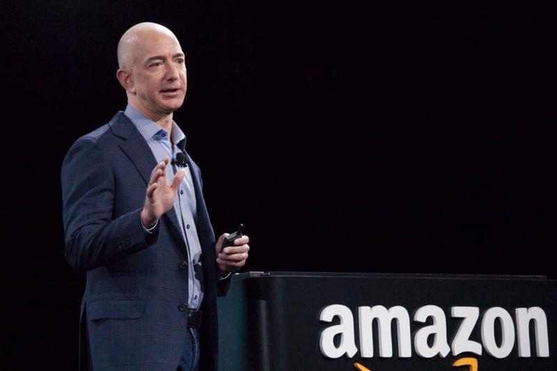據傳亞馬遜內部流傳一份「老闆的書單」,來看世界零售大王貝佐斯都讀什麼樣的書吧!(圖/Jeff Bezos Fan