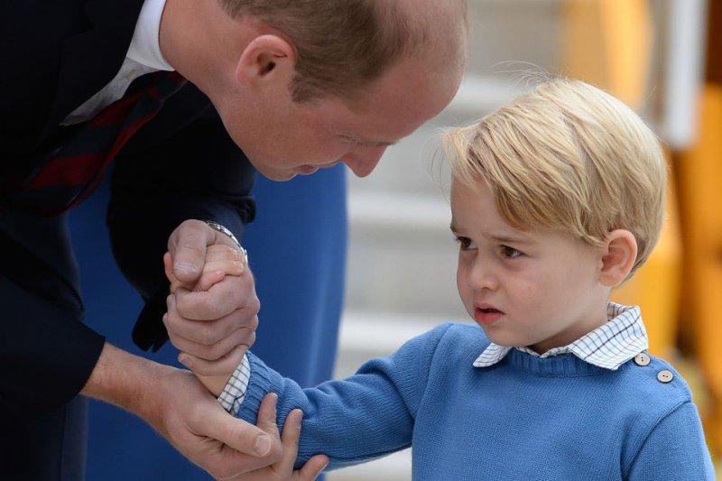 正向教養認為,說話是一件最沒有效果的事情,家長經常說得太多,但一個無聲暗號可能比言語傳達得更大聲。(圖/George, Prince of Cambridge@facebook)