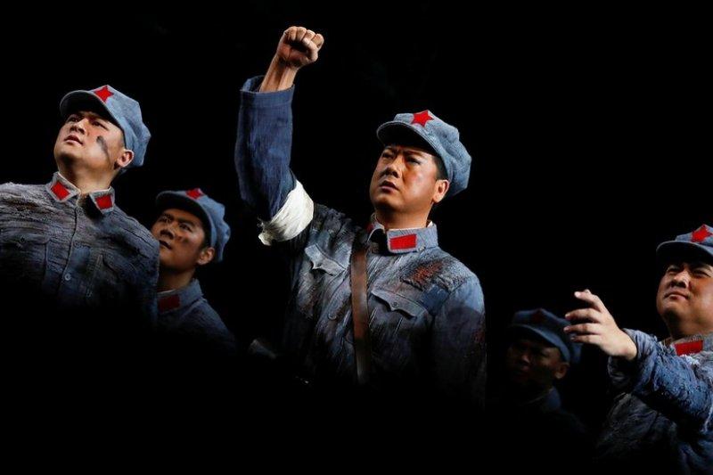 中國國家大劇院上演歌劇《金沙江畔》,紀念「建軍」90週年。(BBC中文網)