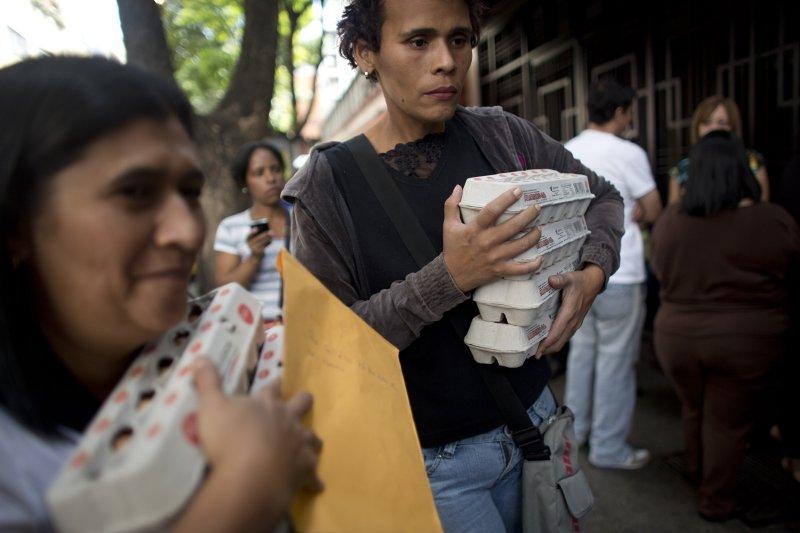 委內瑞拉近年受到國際油價下跌衝擊,經濟崩潰、民怨沸騰。(美聯社)
