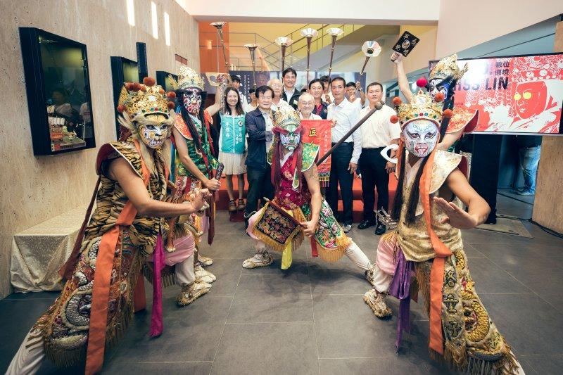 文化總會2日舉辦《匠人魂》影片發表記者會,並由北港鎮建國國中哨角團,搭配斗南玄池民藝會館官帶來精彩表演。(文化總會提供)