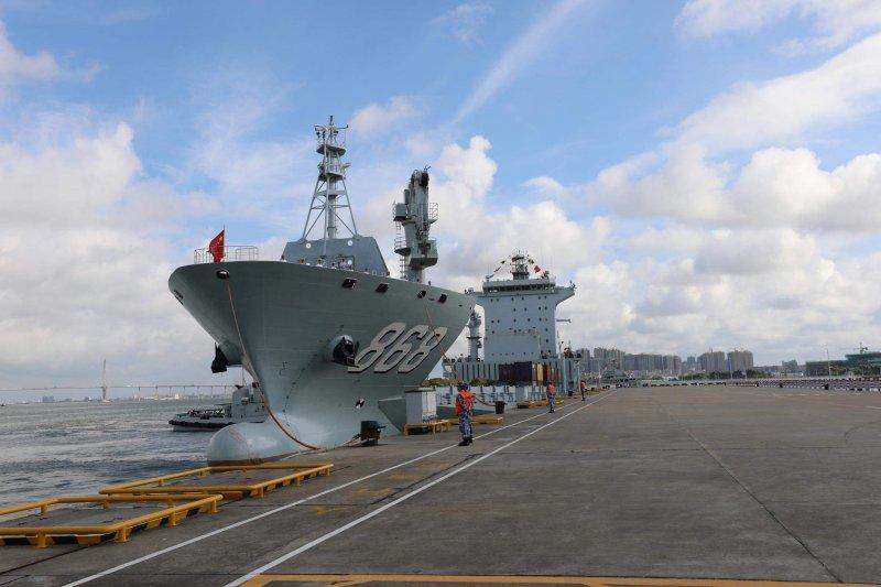 解放軍乘著「99井岡山號」、「868東海島號」至吉布地。(取自網路)