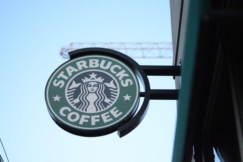 中國新一代連鎖茶飲的崛起,星巴克非常大的潛在威脅。(圖/JerryUnderscore@pixabay)