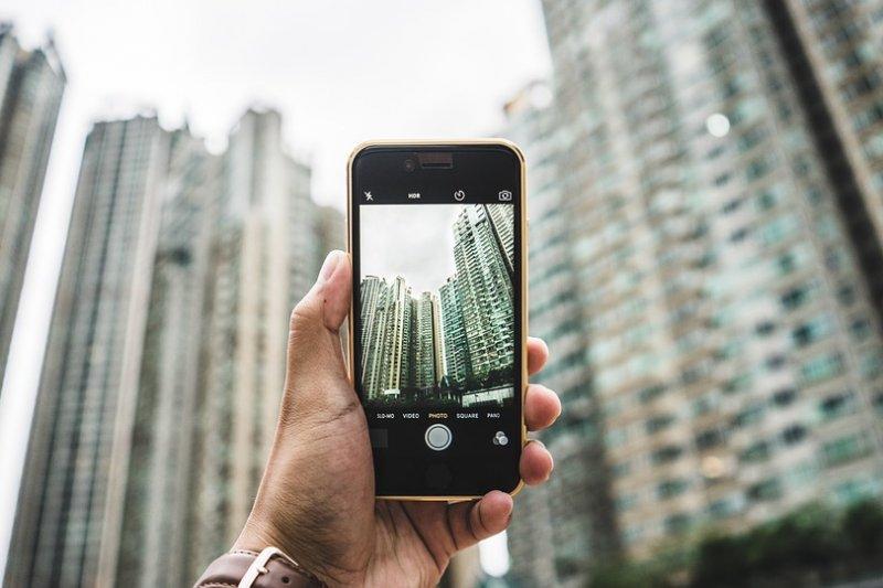 在Google工程部副總裁眼裡,真正影響照相品質的不只是畫素,更是處理器。(示意圖/Pixabay)