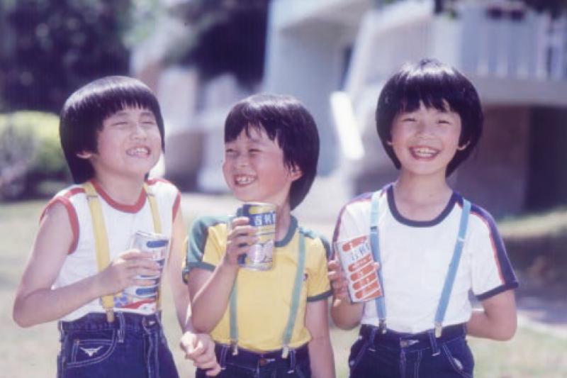 傳承數十年,黑松汽水才是台灣最道地的記憶。(圖/天下文化提供)