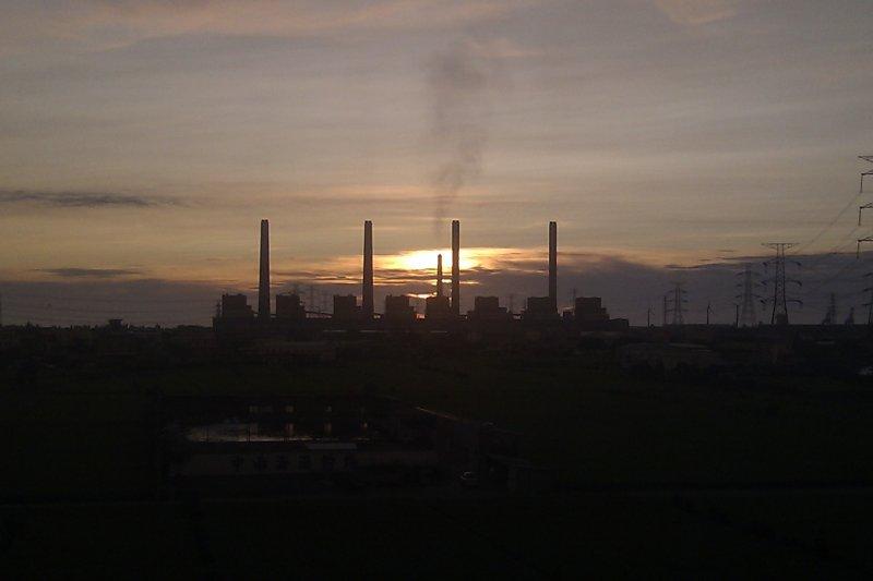 台中火力發電廠(Ellery@Wikipedia / CC BY-SA 3.0)