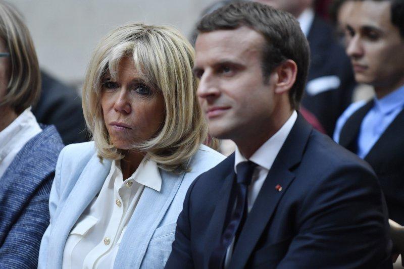 法國總統馬克宏與妻子布莉姬特。(AP)