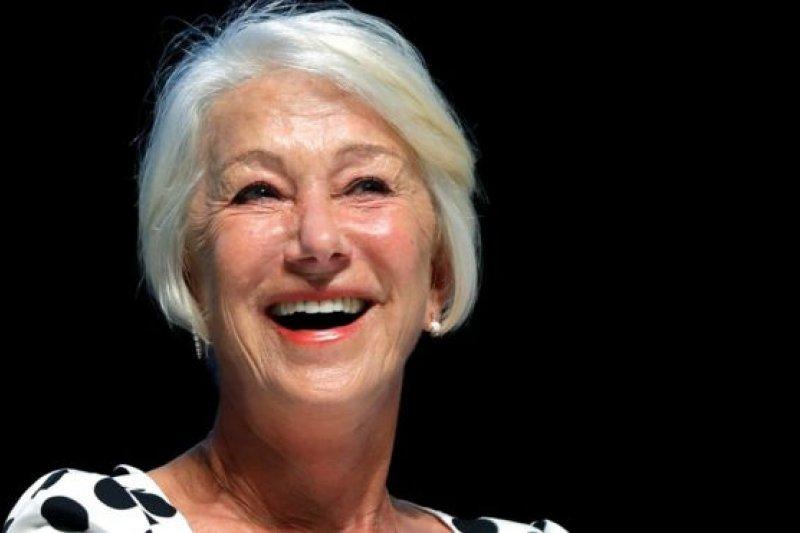 曾扮演英國女王的英國影星海倫米蘭(Helen Mirren)說,保濕霜可能對你的皮膚沒用。(BBC中文網)
