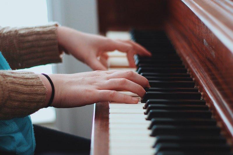 人工智慧不僅能取代人力,現在連需要花腦力學習的音樂都能來上一段!(示意圖/Pixabay)
