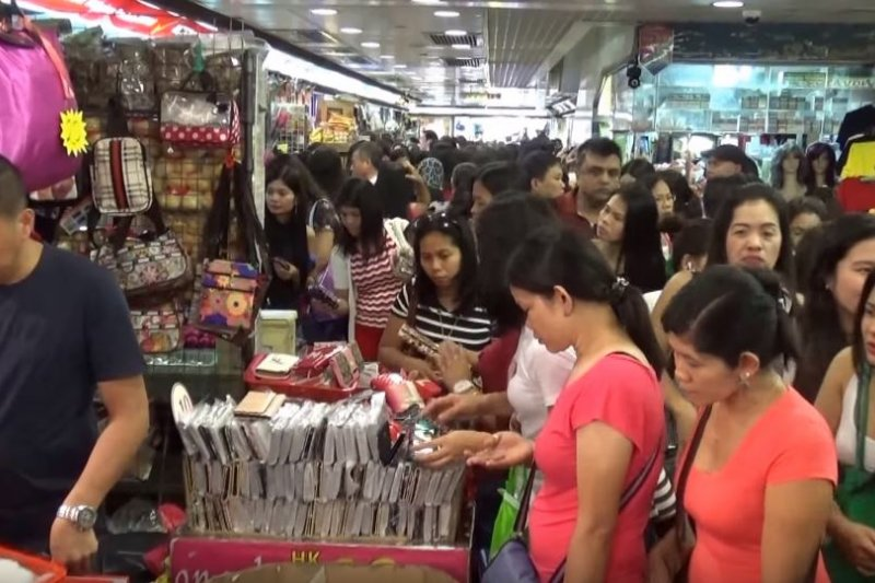 香港的菲律賓家事移工。(截圖自YouTube)