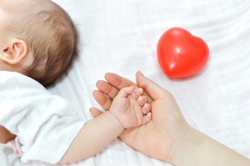 應該給寶寶存臍帶血嗎?這是許多準父母心中都曾有的疑問。(圖/freepik.com)