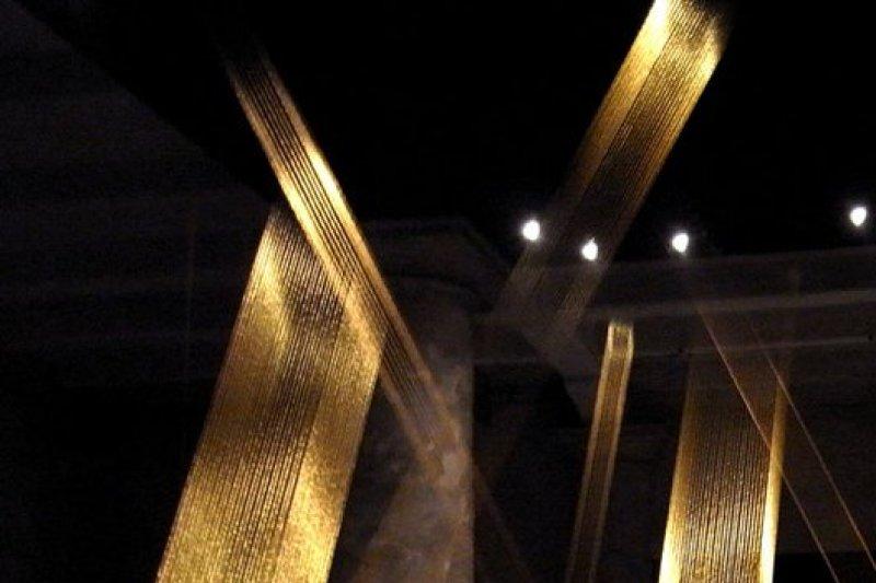 巴西當代藝術家莉吉雅.珮普的作品遭LG侵權翻作使用,惹上訴訟爭議。(圖/Lygia Pape官方臉書)