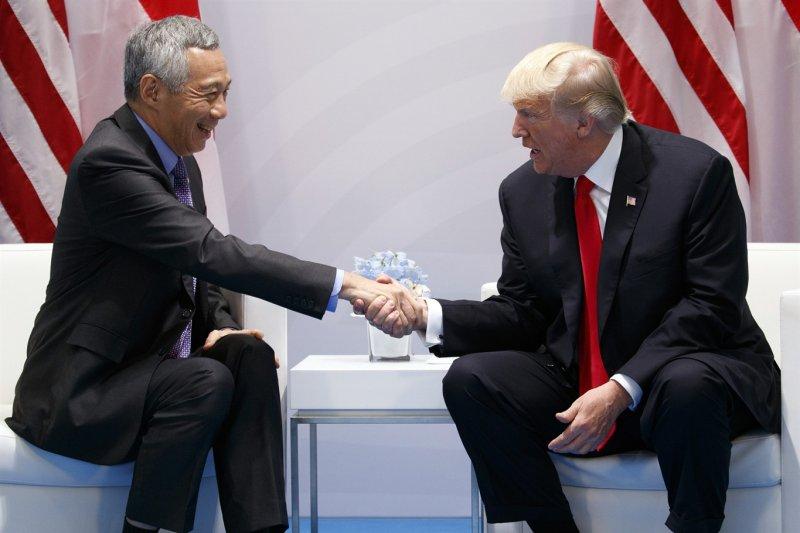 美國總統川普與新加坡總理李顯龍(AP)