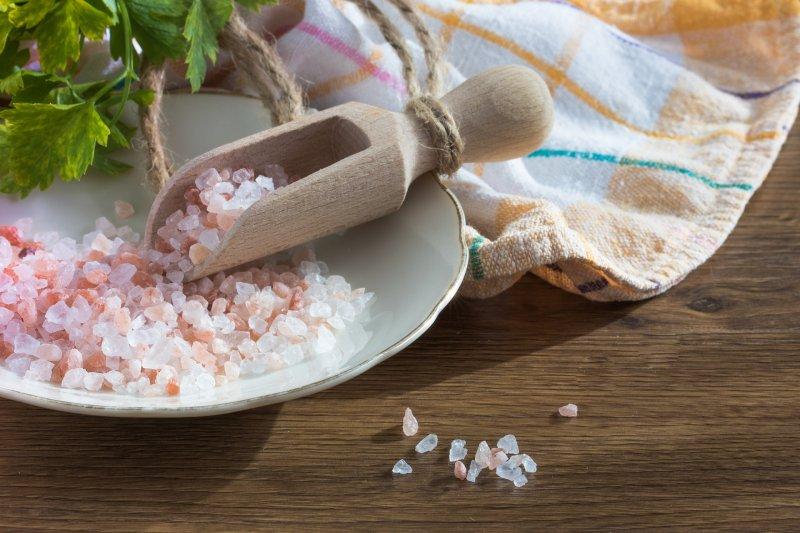 美國科學家迪尼科蘭托尼奧認為攝取更多的鹽對健康更有益。(取自pixabay)